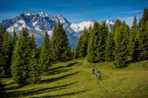 Escursione in MTB tra le Dolomiti di Brenta in Trentino