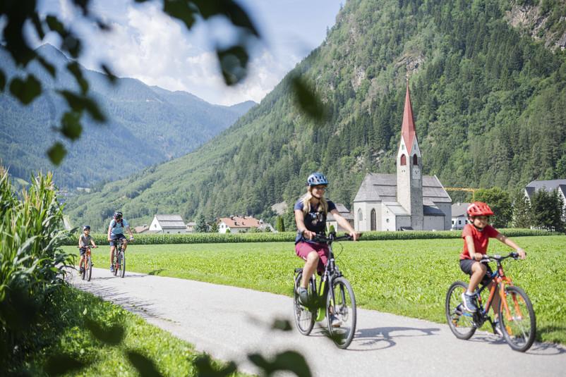 In bicicletta tra le vie dela Valle Aurina